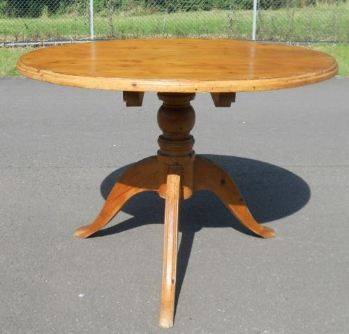 Round Pine Pedestal Breakfast Table